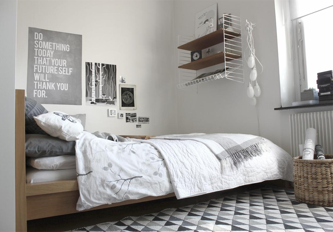Mira moln » sovrum i grått & vitt